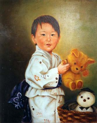 Retrato Kasuki con kimono y juguetes preferidos